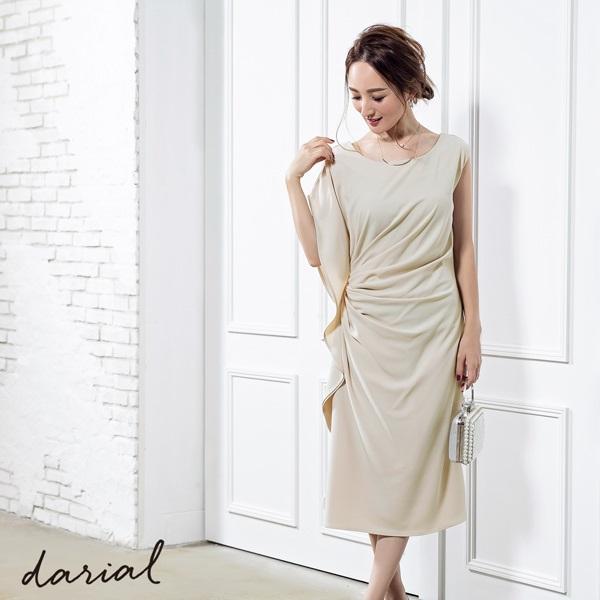 アシンメトリースリーブドレープドレス